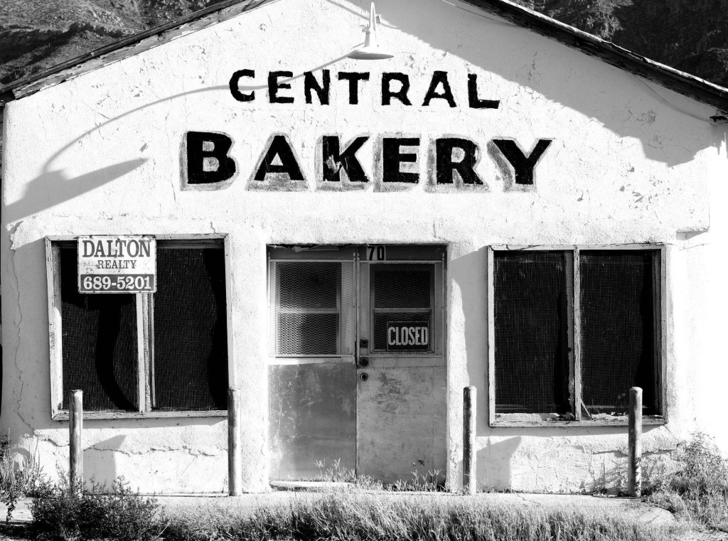 Picture of a dilapidated bakery
