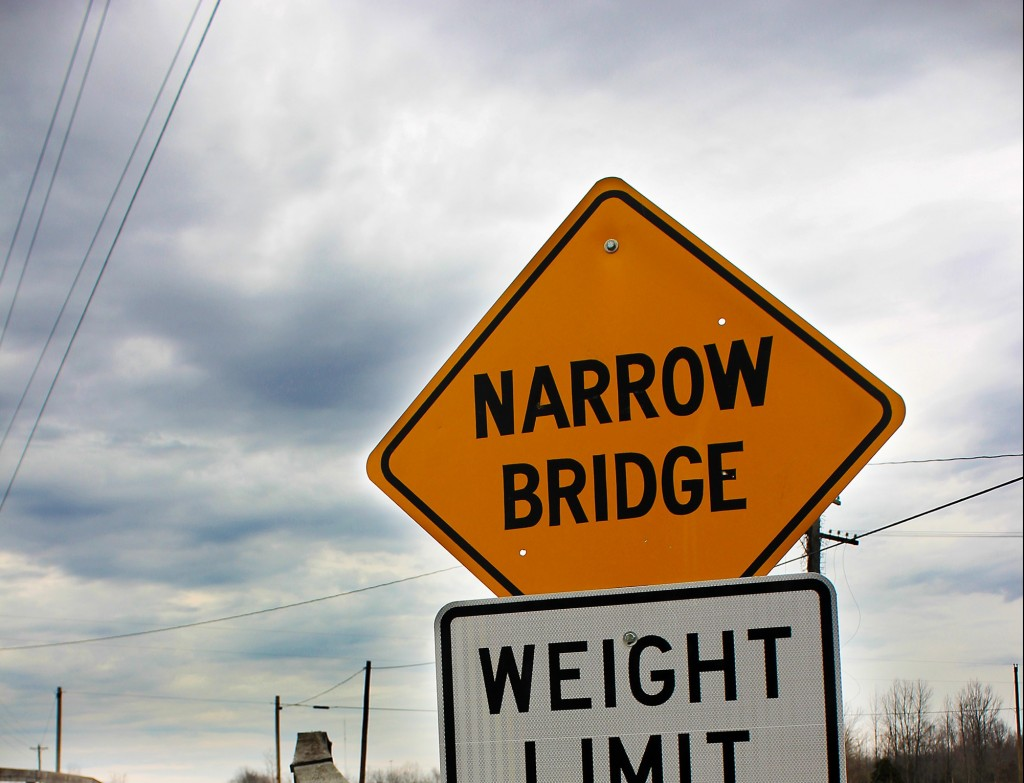 Picture of a narrow bridge