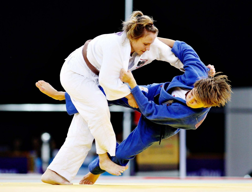 Picture of a women Judo match