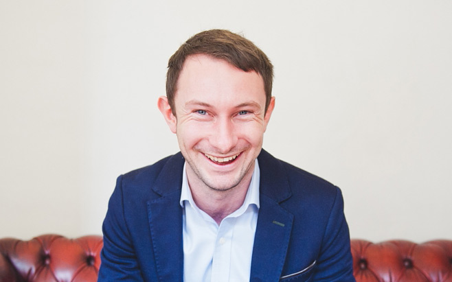 Picture of Aaron Morton from The Confidence Lounge Who Is Presenting A Webinar On Confidence For Fridge Magazine